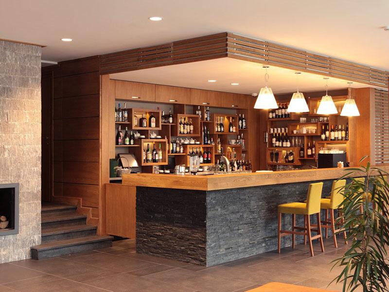 hotel-ruskovets-lobi-bar-2