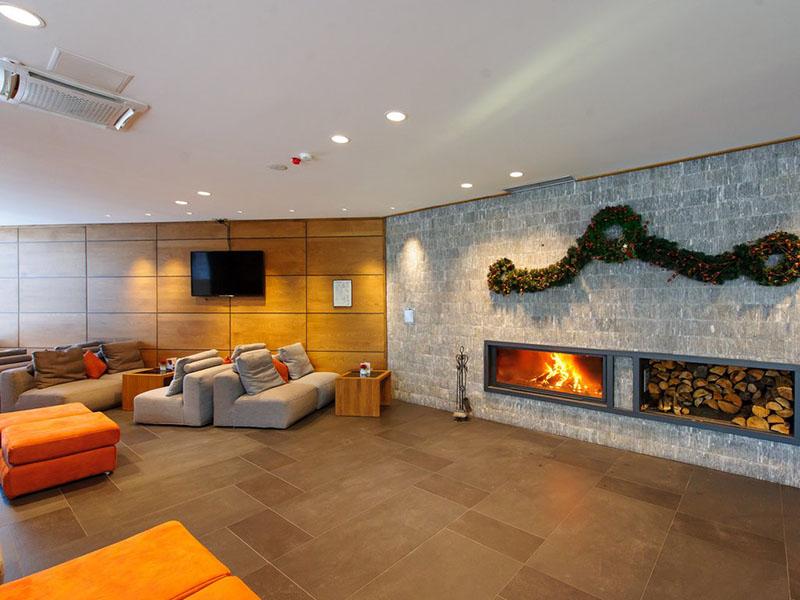 hotel-ruskovets-lobi-bar-3