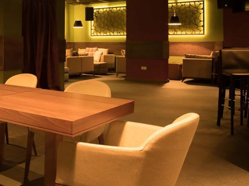 hotel-ruskovets-noshten-klub-violet-1
