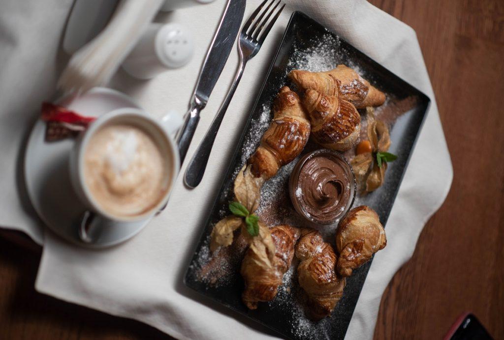 закуска с румсервиз в спа хотел Русковец
