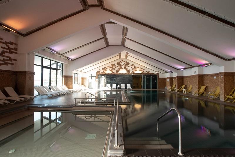 Mineral Pool Ruskovets Resort