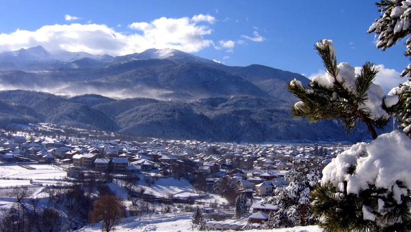 Зимен изглед на курорта Добринище