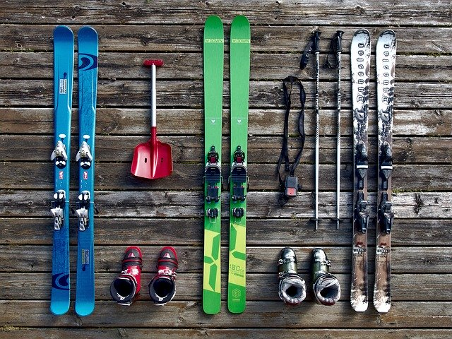 три вида ски ски обувки и щеки